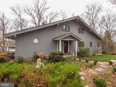 Great Falls Single Family Home For Sale: 9896 Sunnybrook Drive