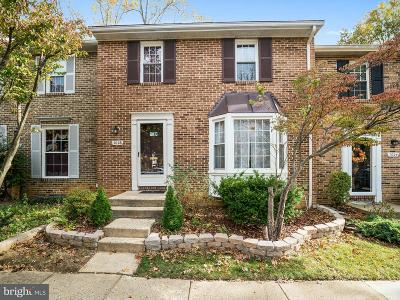 Springfield Townhouse Active Under Contract: 7026 Leewood Forest Drive