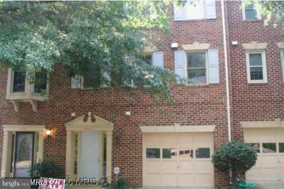 Fairfax County, Fairfax City Single Family Home Active Under Contract: 6406 Fleetside Court
