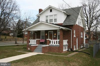 Hill Crest, Hill Crest, Hillcrest, Hill Crest/Hillcrest Single Family Home Under Contract: 2604 32nd Street SE