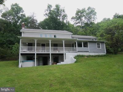 Great Cacapon Single Family Home For Sale: 441 Lamontay Lane