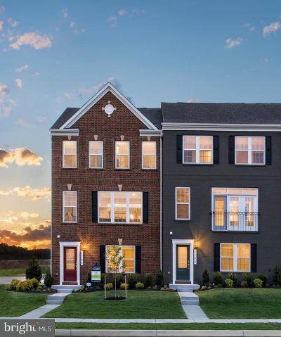 Upper Marlboro Townhouse For Sale: 9726 Central Park Drive
