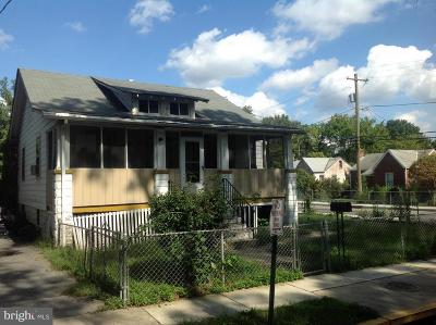 Single Family Home Under Contract: 3722 Shepherd Street