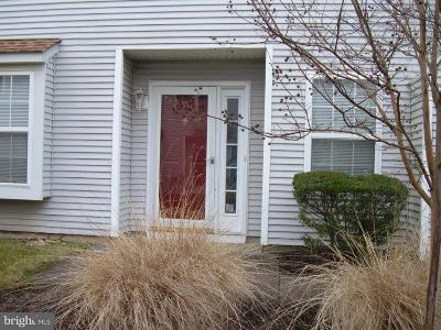 Bordentown Townhouse For Sale: 147 Birch Hollow Drive