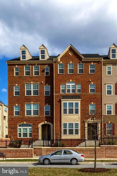 Greenbelt Townhouse For Sale: 8233 Greenbelt Station Parkway #310C