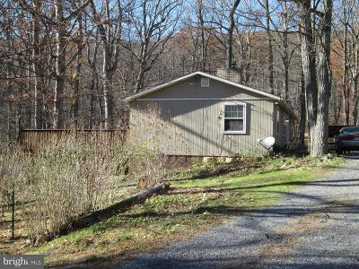 Single Family Home Under Contract: 206 Doe Trail