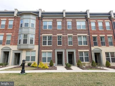 Oxon Hill Townhouse For Sale: 833 Regents Square #349