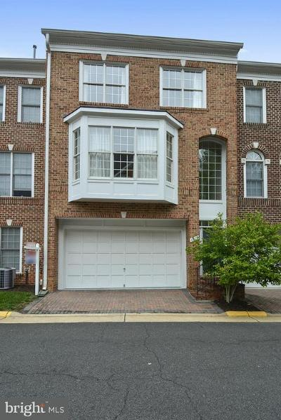Mclean Townhouse For Sale: 6816 Rigby Lane