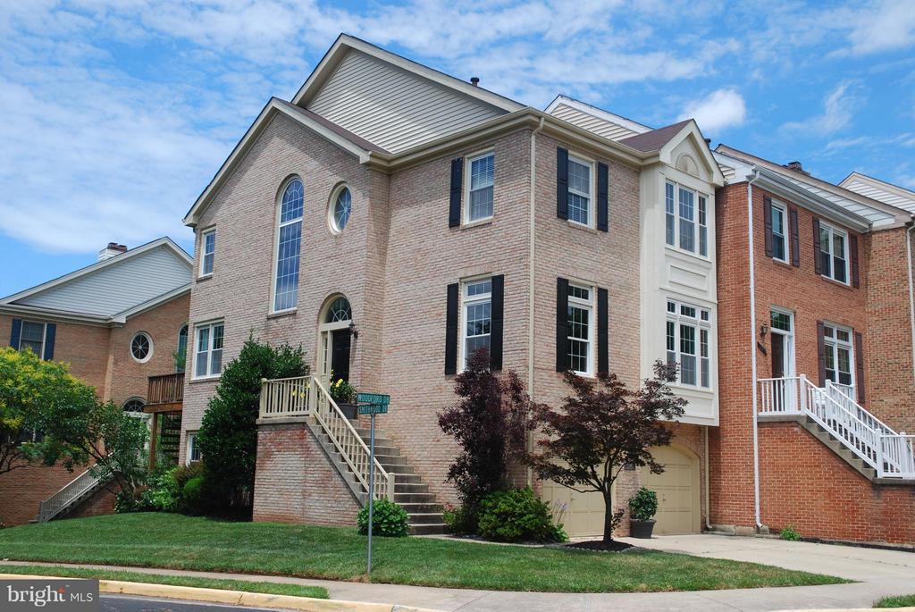 Property Photo ... & Listing: 5148 Woodford Drive Centreville VA.| MLS# 1000216198 | VR ...