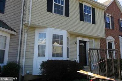 Stafford Townhouse Active Under Contract: 503 Kings Crest Drive