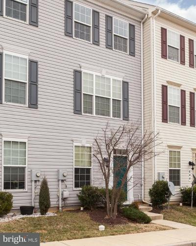 Frederick MD Townhouse Under Contract: $235,000