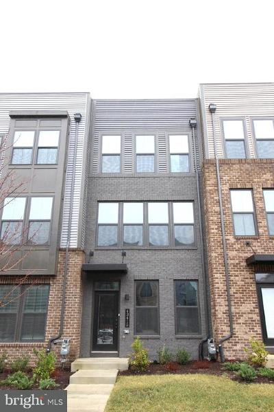 Ashburn Townhouse For Sale: 43415 Southland Street