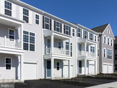 Hummelstown Townhouse For Sale: 2137 Red Fox Drive