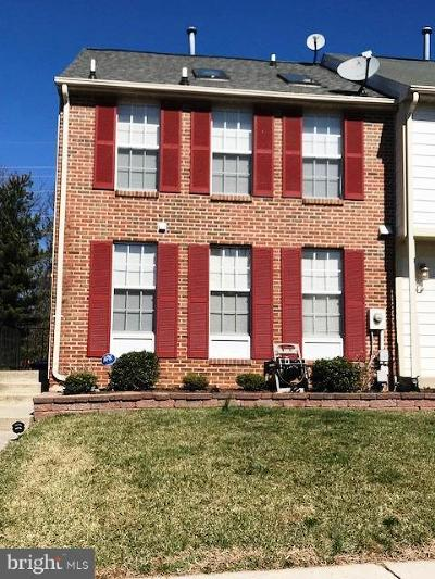 Frederick Townhouse Active Under Contract: 521 Hollyberry Way