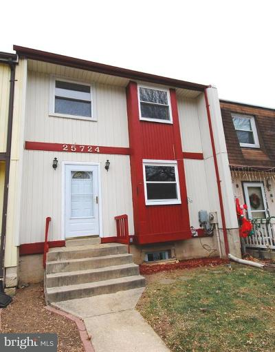 Damascus Townhouse Active Under Contract: 25724 Valley Park Terrace #G-7