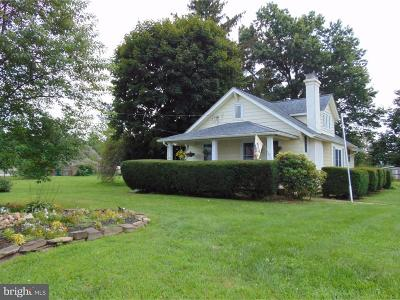Newtown Single Family Home For Sale: 934 Durham Road