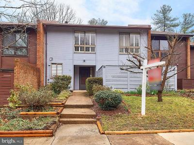 Reston, Herndon Townhouse For Sale: 11602 Hunters Green Court