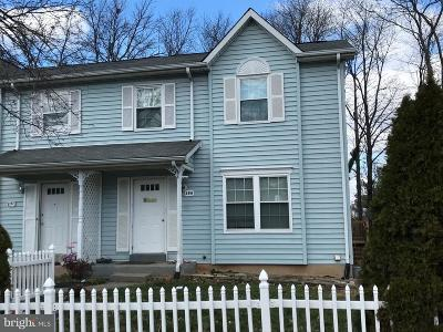 Leesburg Townhouse For Sale: 199 Meadows Lane NE