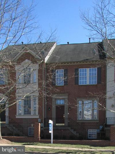 Falls Church Townhouse For Sale: 8193 Skelton Circle