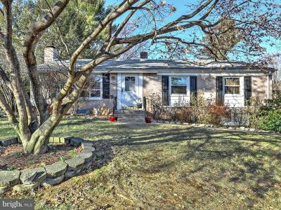 Lancaster PA Single Family Home For Sale: $220,000