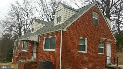 Suitland Single Family Home For Sale: 5300 Woodacre Drive