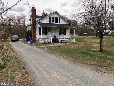 Gaithersburg Single Family Home For Sale: 14010 Darnestown Road