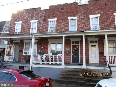 Lancaster Single Family Home For Sale: 135 Juniata Street