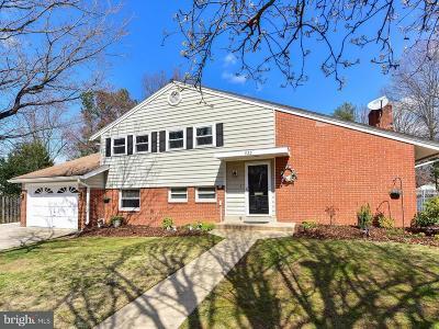 Alexandria Single Family Home For Sale: 922 Croton Drive