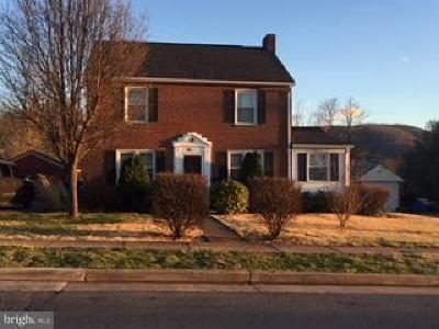 Warren County Single Family Home Under Contract: 564 River Drive