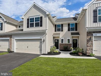 Camp Hill, Mechanicsburg Townhouse For Sale: 1686 Haralson Drive