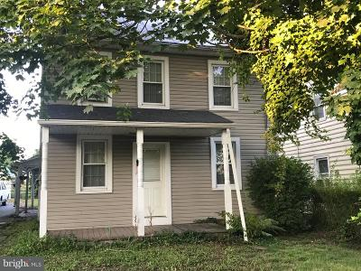 Lititz Single Family Home For Sale: 311 E 28th Division Highway