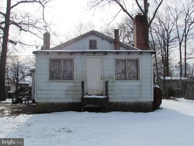 Edgewater MD Single Family Home For Sale: $169,000