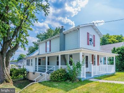 Hershey Single Family Home For Sale: 1542 E Derry Road