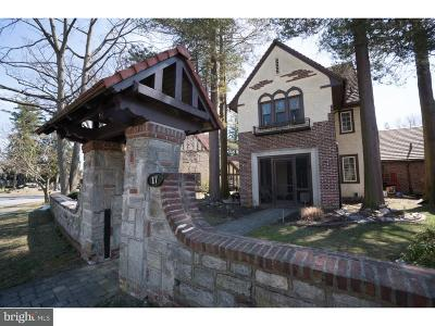 Springfield Single Family Home For Sale: 17 Windsor Circle