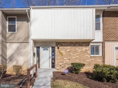 Upper Marlboro Townhouse For Sale: 10121 Campus Way S #64