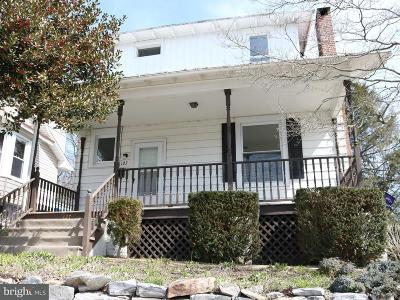 Lemoyne Single Family Home For Sale: 127 N 4th Street