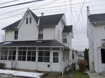 Parkesburg Single Family Home For Sale: 402 Main Street