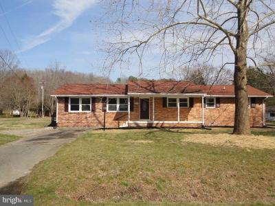Charles County Single Family Home For Sale: 6420 Warren C Eller Drive