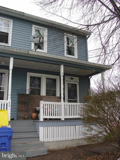 Middletown Townhouse For Sale: 219 State Street