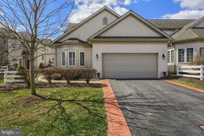 Lititz Single Family Home For Sale: 717 Woodfield Drive