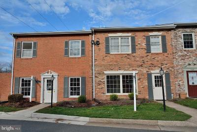 Manassas Condo For Sale: 9420 Olde Town Court #6L
