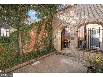 Philadelphia Single Family Home For Sale: 2 Willings Alley Mews