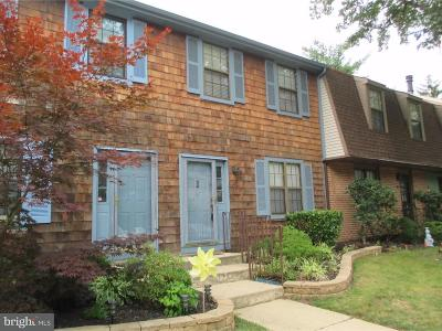 Cherry Hill Townhouse For Sale: 504 Kings Croft