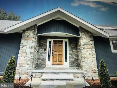 Greenville Single Family Home For Sale: 22 Foxhill Lane