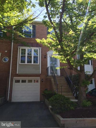 Lorton Townhouse For Sale: 8582 Enochs Drive