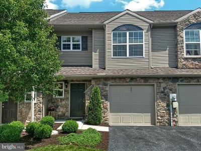 Camp Hill, Mechanicsburg Townhouse For Sale: 241 Sleepy Hollow Drive
