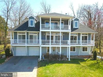 Annapolis Single Family Home For Sale: 621 Harbor Drive