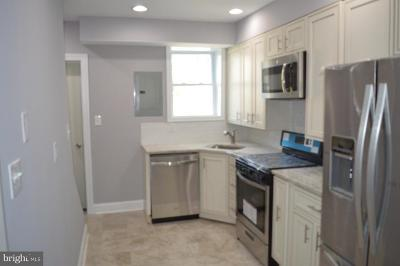 Baltimore Townhouse For Sale: 216 Montford Avenue N