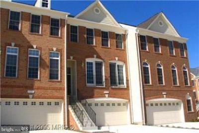 Chantilly Townhouse For Sale: 25322 Nesting Square