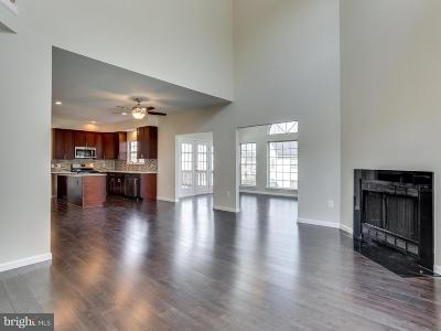 Bowie Single Family Home For Sale: 903 Falls Lake Drive